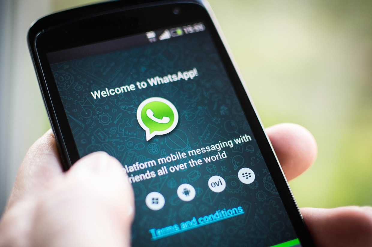 WhatsApp Removes Subscription Fee